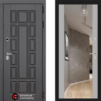 Входная металлическая дверь с зеркалом Labirint New York с зеркалом Макси Софт Грей
