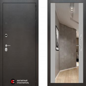 Входная металлическая дверь с зеркалом Labirint Silver с зеркалом Макси Софт Грей