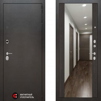 Входная металлическая дверь с зеркалом Labirint Silver с зеркалом Макси Венге